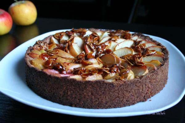 apple and almond tart 01